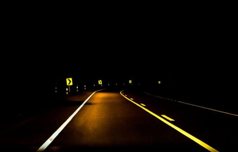 how to drive at night 234234324 - چگونه در شب رانندگی کنیم؟