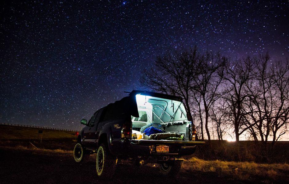 how to drive at night 43534346 - چگونه در شب رانندگی کنیم؟