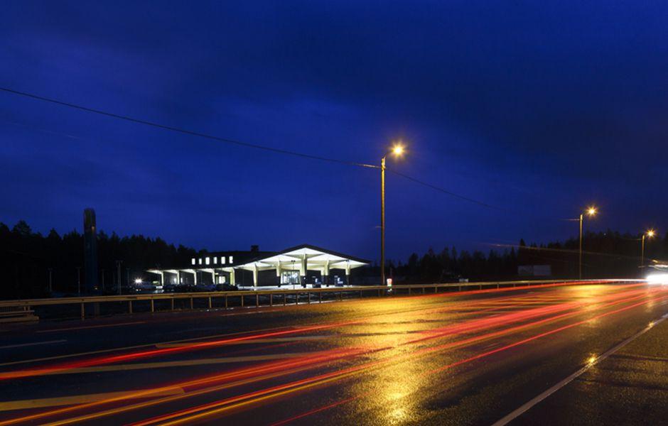 how to drive at night 435346546 - چگونه در شب رانندگی کنیم؟
