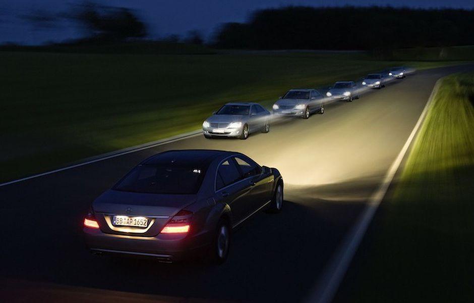 how to drive at night 53453656 - چگونه در شب رانندگی کنیم؟