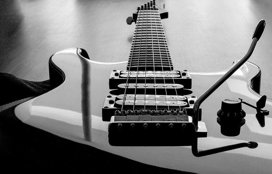 تصویر از چگونه سیم گیتار الکتریک را تعویض کنیم؟