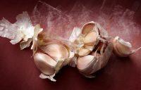 how to get rid of the smell of garlic 56576788 - چگونه بوی سیر را از بین ببریم؟