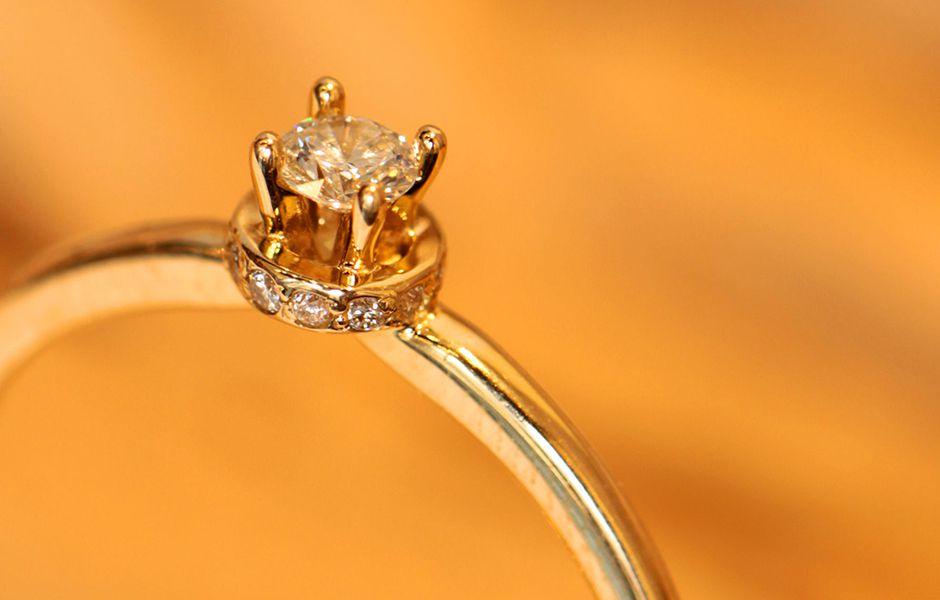 تصویر از چگونه انگشتر طلا را تمیز کنیم؟