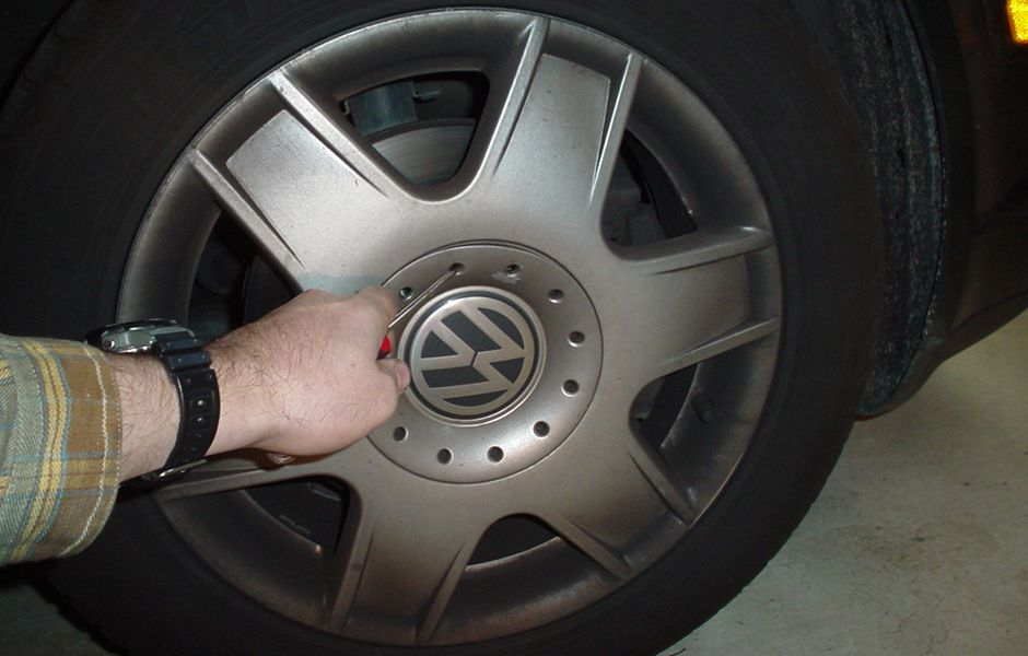 how to change flat tire 32423424 - چگونه یک لاستیک پنچر را عوض کنیم؟