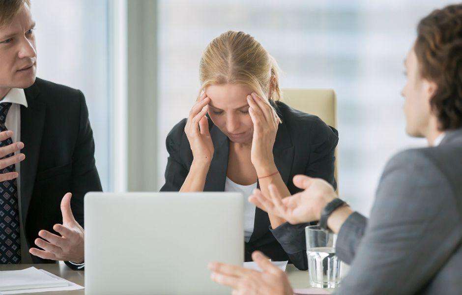 how to deal with annoying people 456564574 - چگونه با افراد مزاحم برخورد کنیم؟
