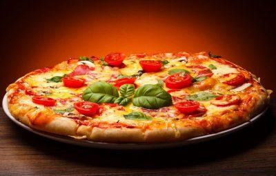how to make pizza margherita easily 32324324 - چگونه به سادگی پیتزای مارگاریتا درست کنیم؟