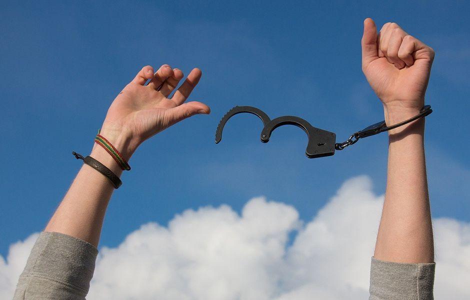 how to avoid betting addiction 924342343 - چگونه از اعتیاد به قمار و شرط بندی نجات پیدا کنیم؟