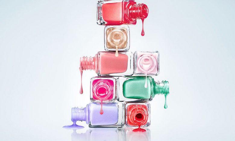how to dry nail polish quickly 23432434 780x470 - چگونه لاک ناخن را سریع خشک کنیم؟